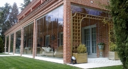 frameless glass enclosure for patios